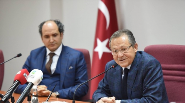 AK Parti'nin Yeni Yönetiminden Başkan Uğur'a Ziyaret