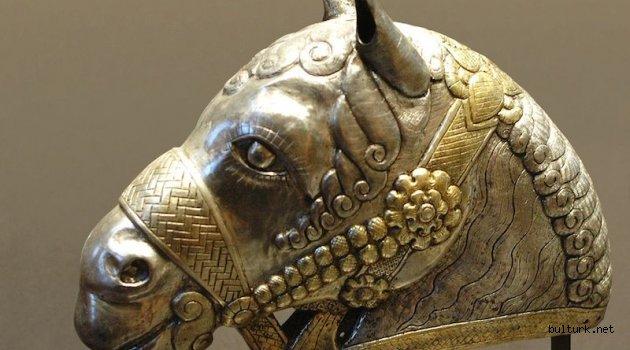 Pers İmparatorluğu'nun Yeniden Doğuşu: Sasaniler