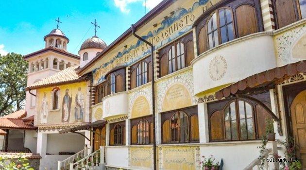 Sofya yakınında, beş kadim manastır