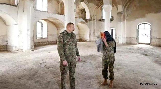 Yıllar sonra işgalden kurtarılan Ağdam'a giden Aliyev