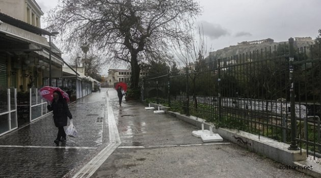 Yunanistan'ın başkenti Atina, hayalet kente döndü